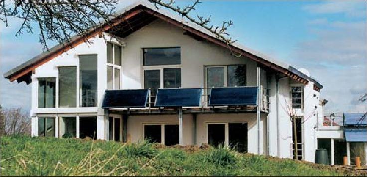 Passiefhuis en plus-energie-huis bij Freiburg, voltooid in 1997