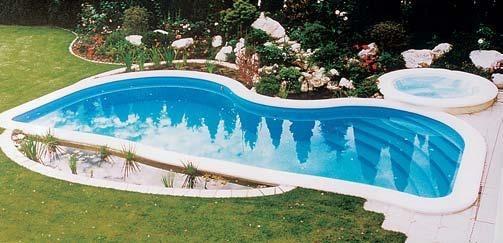 zwembad met boog elementen